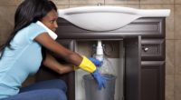 Comment nettoyer et déboucher efficacement les tuyaux de canalisation extérieurs